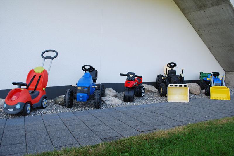 Trettraktoren & Spielzeug